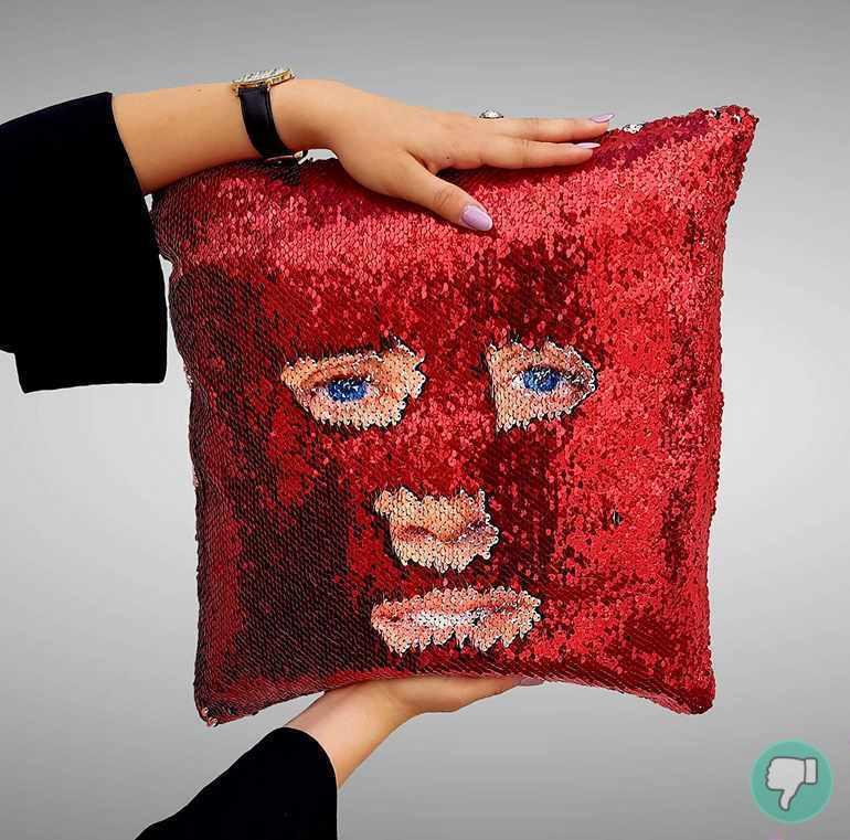 comprar el cojín con la cara de Nicolas Cage